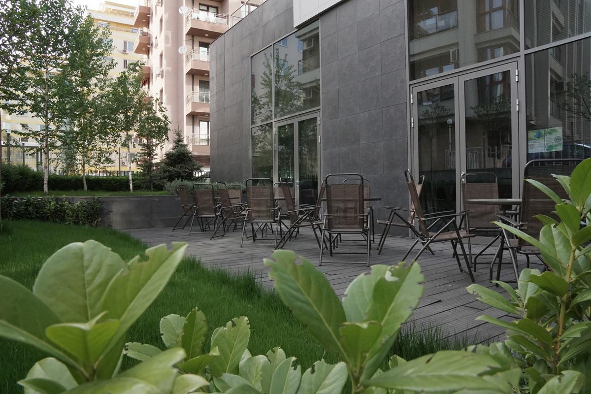 garden-area-f