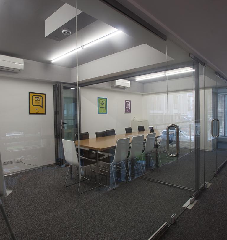 q-club-meetingroom-alt